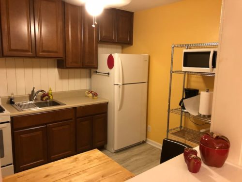 Comfortable eat-in kitchen with everything you need. - Apple Barn Cottage in Flat Rock