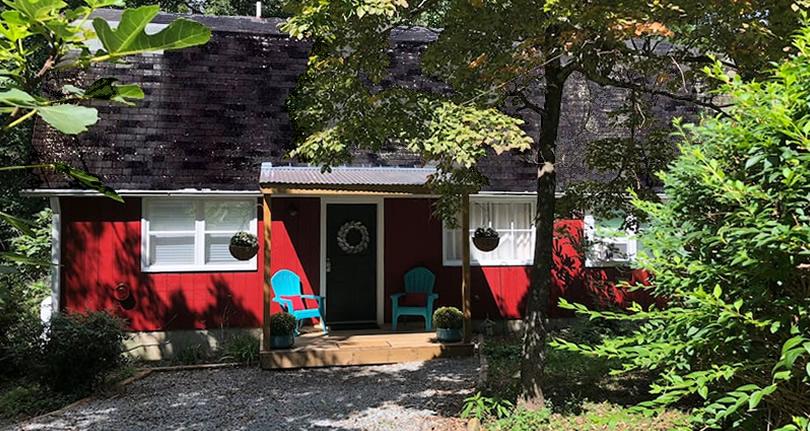 Apple Barn Cottage in Flat Rock, Hendersonville, NC
