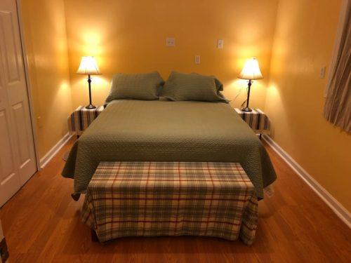 New Queen Serta Perfect Sleeper Mattress - Apple Barn Cottage in Flat Rock
