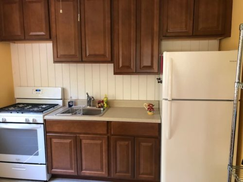 We just remodeled the kitchen. All new cabinets and appliances. - Apple Barn Cottage in Flat Rock