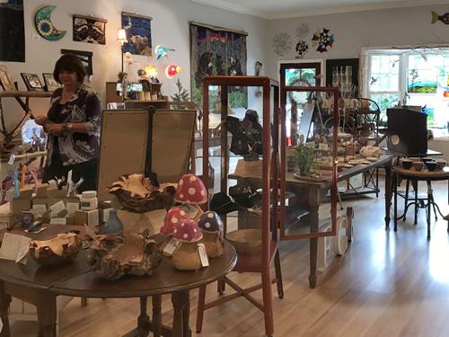 Firefly Craft Gallery l Firefly Craft Gallery in Historic Flat Rock