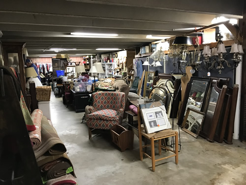 Four Seasons Hospice Home Store, Downtown Hendersonville